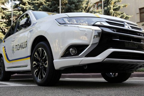 Mitsubishi зробила Нацполіції знижку на службові автомобілі