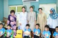 Марина Порошенко посетила в Малайзии центр для детей с аутизмом