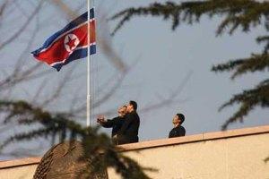 У Північну Корею все ж запустили кулі з агітками проти влади КНДР