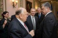 Шушкевич: Порошенко не поддерживает идею с белорусскими миротворцами