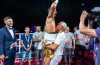 Украинец Далакян защитил титул чемпиона WBA с переломом руки