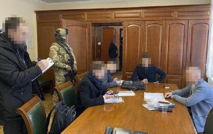 Під час обшуків у «Київметробуді»