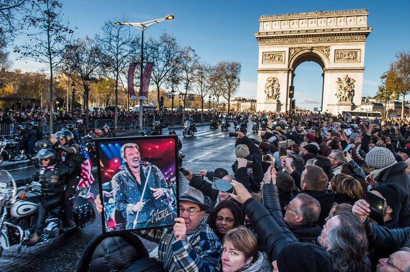 Франция простилась срокером Джонни Холлидеем
