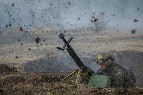"""За сутки на Донбассе российские наемники 10 раз нарушили """"тишину"""""""