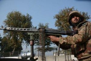 ВПС Пакистану знищили майже 60 талібів у відповідь на атаку на училище