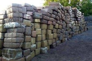 На мексиканському кладовищі виявили 2 тонни марихуани