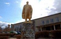 Прокуратура не видит состава преступления в отсутствии демонтажа памятника Ленину на Полтавщине