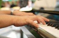 В Риге семью оштрафовали за игру на пианино