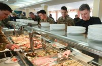 Всем армиям мира готовая еда поставляется компаниями, - нардеп