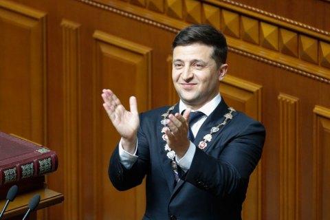 Зеленский поговорил с Меркель о ситуации на Донбассе и нормандском формате