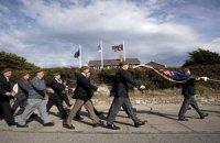 Британия и Аргентина отмечают 30-летие Фолклендской войны новым обострением