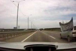 Автомобілі ВАЗ гублять запчастини на ходу