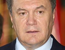 Президент возложил цветы к гробу конструктора Конюхова