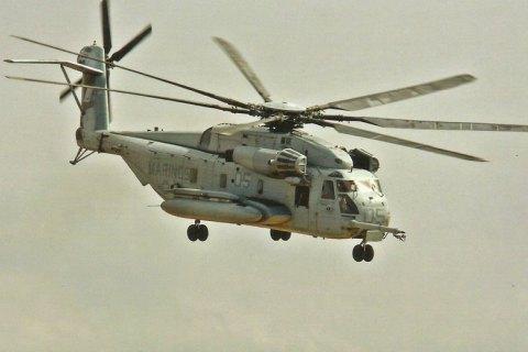У Німеччині військовий вертоліт врізався у вежу аеропорту