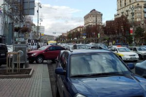 Киев теряет на парковках сотни миллионов гривен