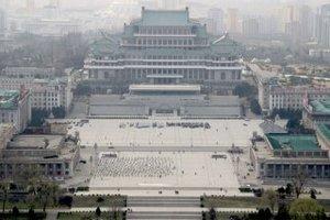 Із головної площі КНДР прибрали зображення Леніна і Маркса