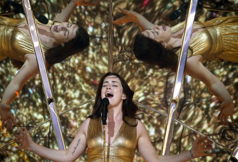 Великобритания. Lucie Jones – Never Give Up On You