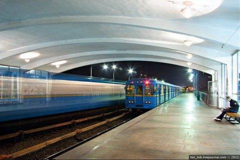 Ще одна станція метро в Києві відмовиться від продажу жетонів