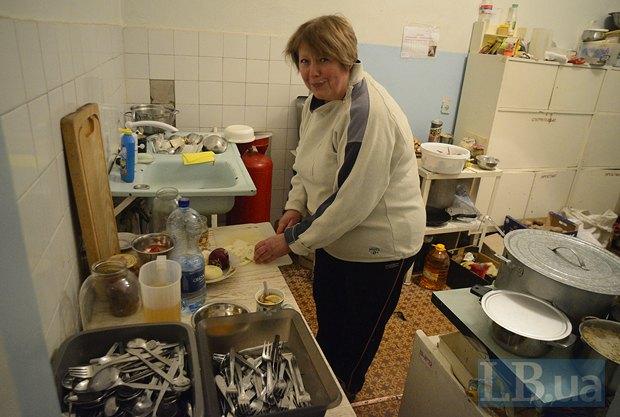 Терапевт Людмила готовит божественный борщ