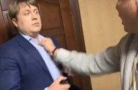 """Ляшко і Герус побилися у VIP-терміналі """"Борисполя"""""""