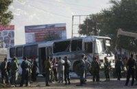 Талибы подорвали два автобуса с военными в Кабуле: 7 жертв