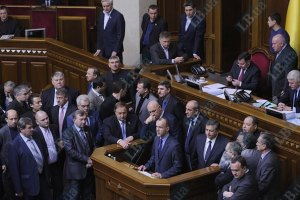 Парламентская оппозиция заступилась за Авакова