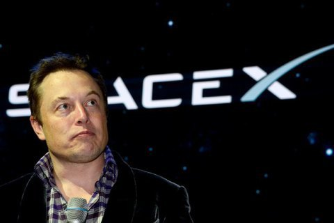SpaceX подала в суд на уряд США