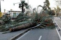 Жертвами урагана на западе Европы стали восемь людей