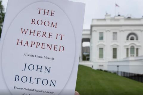 Мемуары Болтона о работе на Трампа запустили в продажу вопреки сопротивлению Белого дома