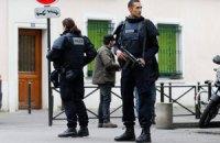 Біля резиденції Олланда в Парижі збили жінку-поліцейського
