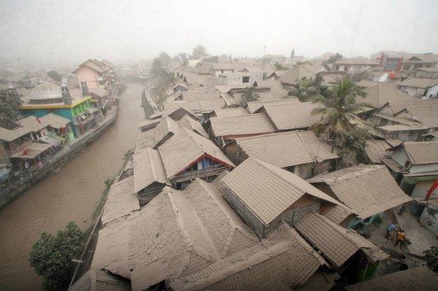 Извержение вулкана Келуд в Индонезии