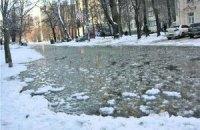 В Киеве на борьбу с наводнением привлекли бизнес и волонтеров