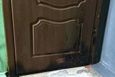 Затримано підозрюваних у підпалі дверей квартири мера Херсона (оновлено)