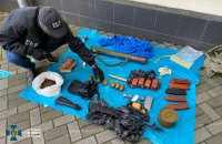 У центрі Києва знайшли схрон із боєприпасами та зброєю
