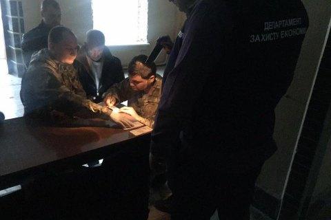 """Колишнього бійця батальйону """"Донбас"""" затримали за хабар"""