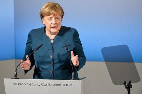 Меркель назвала мир на Донбасі одним із завдань німецького уряду