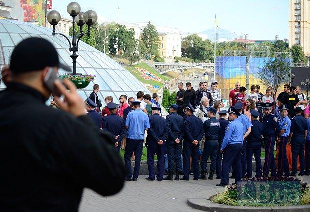 Украинские фаны пытались пробиться к полякам, но милиция их сдержала