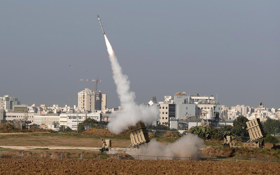 Ракетна система Iron Dome в роботі поблизу міста Ашдод, Ізраїль,12 листопада 2019.