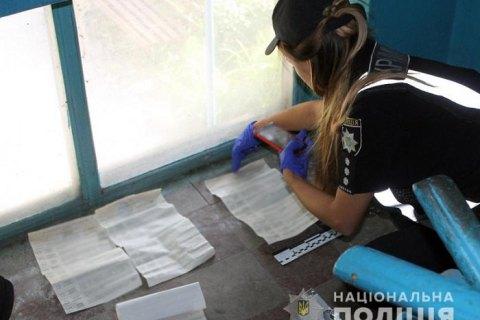 В Покровске полиция нашла в подъезде жилого дома несколько заполненных бюллетеней