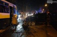Легковий автомобіль врізався в маршрутку з людьми в Одеській області