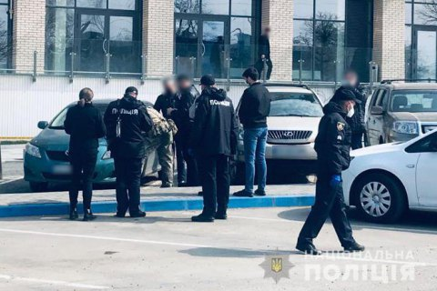 Поліція шукає невідомого зловмисника, який застрелив 33-річного чернівчанина на вулиці Воробкевича
