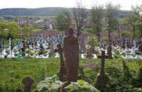 У Яготині вандали розкопали могилу померлої жінки, щоб вкрасти прикраси