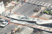 """Во Флориде обрушился пешеходный мост, сообщается о """"нескольких погибших"""""""