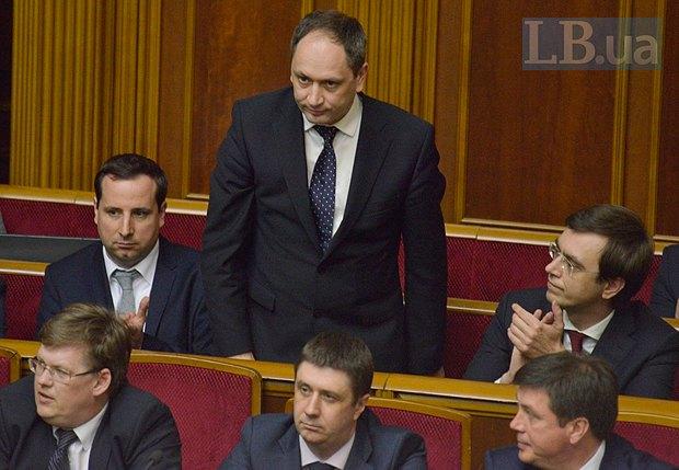 Вадим Черныш (стоит)