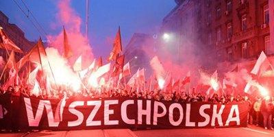 """Польша: как ультраправые организации """"присвоили"""" празднование Дня Независимости"""