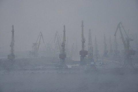 Через туман в Україні обмежено роботу шести морпортів