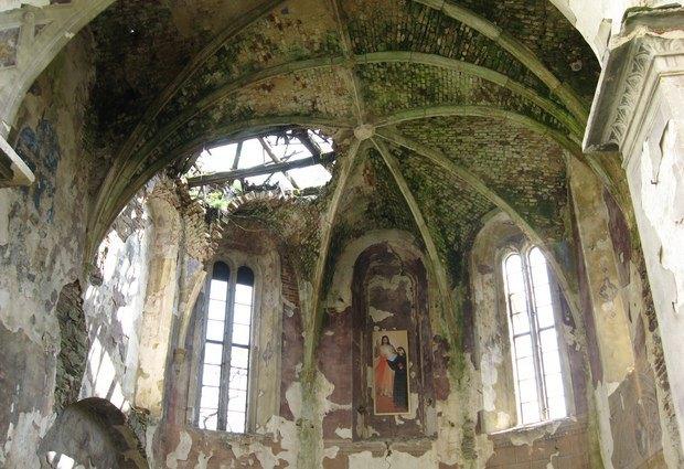 Костел Успіння Діви Марії у Язловці. 1590 р.
