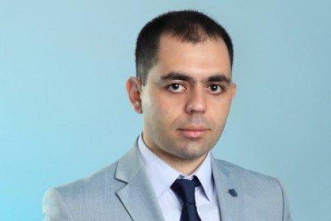 Мешканець Миколаєва замість політика побив його родича