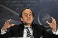 Платини решил заменить Блаттера на посту главы ФИФА