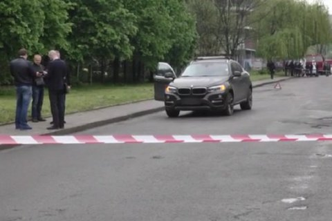 На улице Львова во время движения взорвался автомобиль BMW
